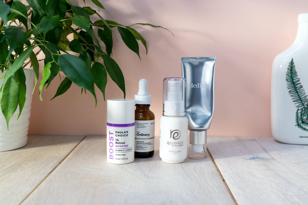 Paulas Choice 1% Retinol Booster, The Ordinary Granactive Retinoid 2% Emulsion, Shani Darden Retinol Reform, Medik8 Crystal Retinal 6